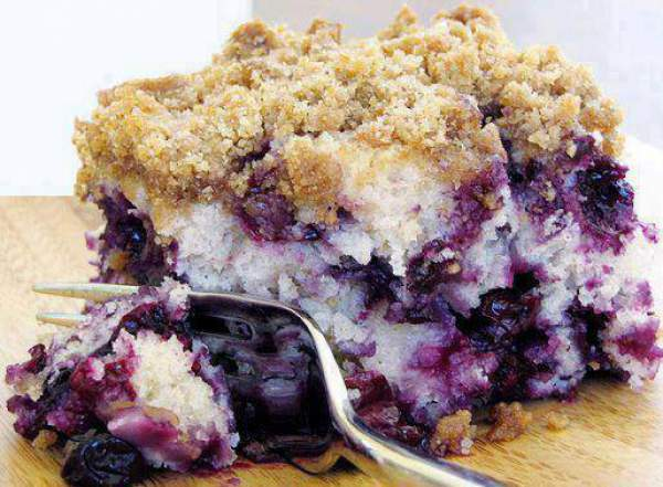 Crumb-Topped Blueberry Coffee Cake recipe